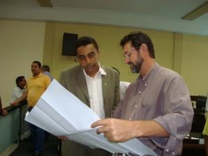 José Maria exibe o projeto ao Secretário Ubiratan Félix